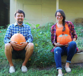 Halloween maternity shirt that makes the belly look like a pumpkin.